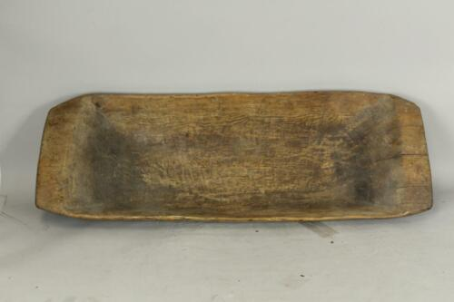 A GREAT PILGRIM 17TH C AMERICAN HAND HEWN HARD PINE HANDLED TRENCHER OLD SURFACE