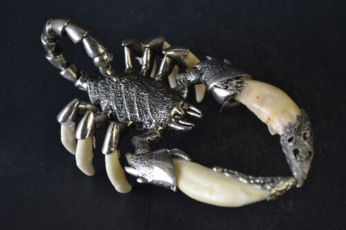 Fine Collectible Old Tibet Silver inlay Scorpion King Totem Warrior statue