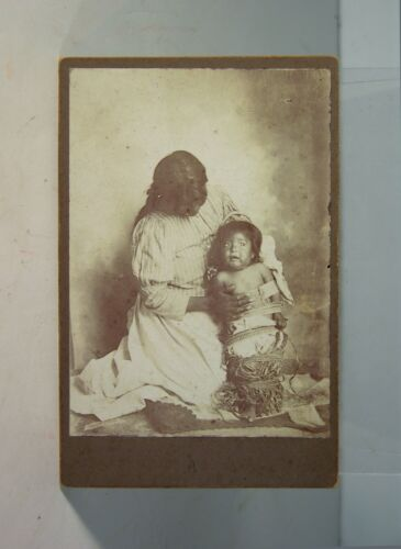 1880s NATIVE AMERICAN APACHE WOMAN AND CHILD IN CRADLEBOARD CABINET CARD PHOTO