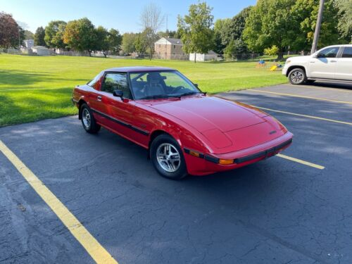 1985 Mazda RX-7 12A 1985 Mazda RX-7 Coupe Red RWD Manual 12A