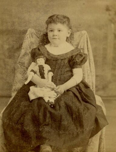 Cabinet Card Photo by DC Winters Houston, MO Curly Hair Girl with Doll Cute! B6