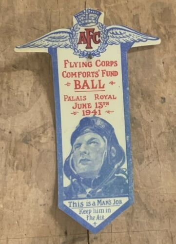 WW2 AUSTRALIAN FLYING CORPS AFC COMFORTS FUND BALL 1941 CELLULOID BADGE