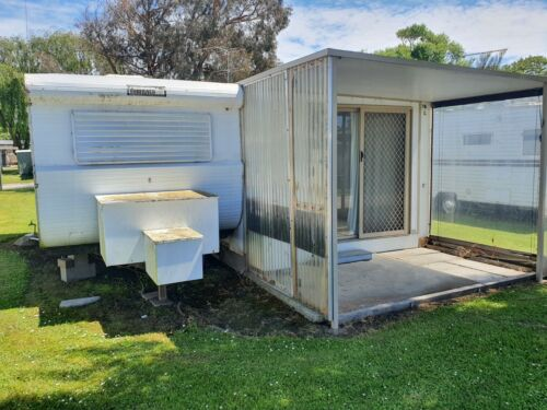 17.5FT FAWKNER CARAVAN AND ANNEX - annex optional,  will be dismantled for you