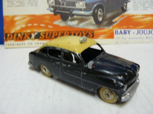 DINKY TOYS  ANCIEN  VOITURE FORD VEDETTE TAXI   référence 24 X