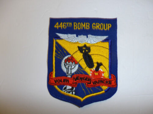 b7184 WW 2 US Army Air Force 446th Bomb Group Voler Venger Vaincre R12D