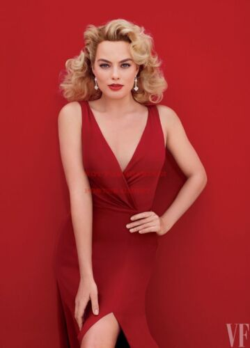 Hollywood Celebrity Photo Poster: MARGOT ROBBIE Poster |24 inch X 36 inch| AA