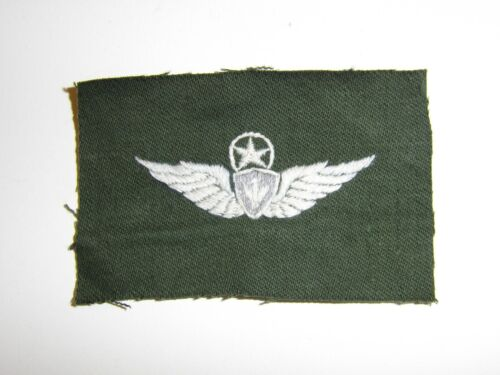 e2400 Vietnam US Army Master Aircrew Wing white on OD hnd emb IR15F
