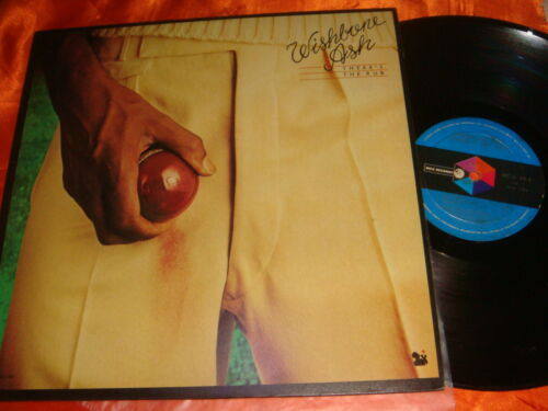 WISHBONE ASH, There's The Rub, 12-inch Vinyl LP 33 rpm, Made in Singapore