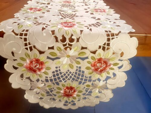 Oval 40*180cm  Pink/Burgundy floral Cut-out Table-Runner