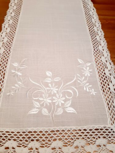 Linen/Look White Lace/Embroidered Floral 40*135cm Polyester TableRunner