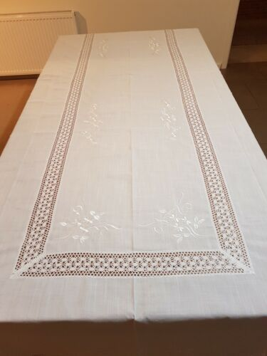 White CrochetLace Rectangle 160*270cm Premiuim Polyester Embroidered T/Cloth