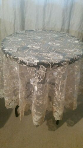 150CM Round Cream/Bronze 2Toned Lace Polyester Tablecloth