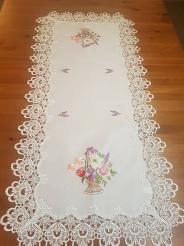 X-Large 60*120cm Embroidered 'BasketOfFlowers' Polyester Rectangle T/Runner