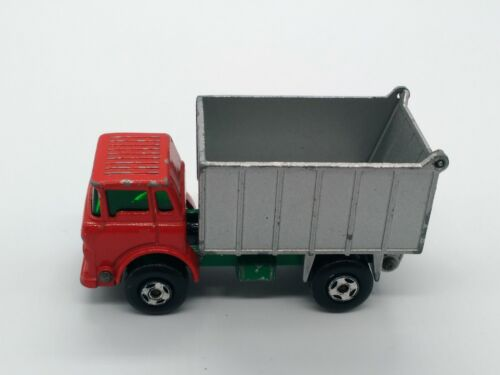 CAMION MATCHBOX SUPERFAST GMC TIPPER TRUCK N°26 1970 MADE IN ENGLAND