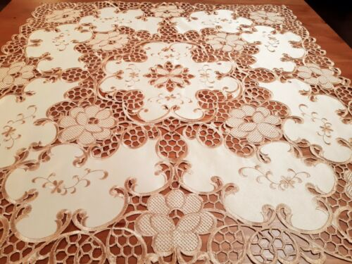 """""""Taupe/Antique Gold"""" 85*85cm Square Venetian Cutout Polyester Small Tablecloth"""