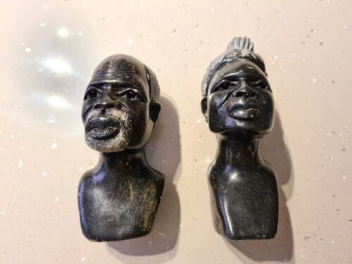 A SET OF AFRICAN HEAD SCULPTURE STONE HAND  CARVED