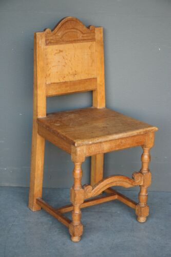 Rare Danish antique oak Nordic chair signed Borella Hansen & Co 1918-1934 Gothic