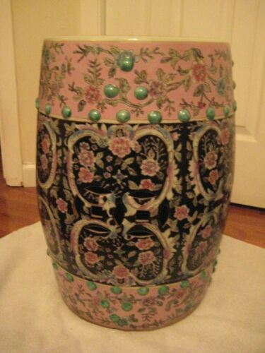 Vintage Colorful Chinese Porcelain Garden Seat in Great Condition 19 Inch Tall