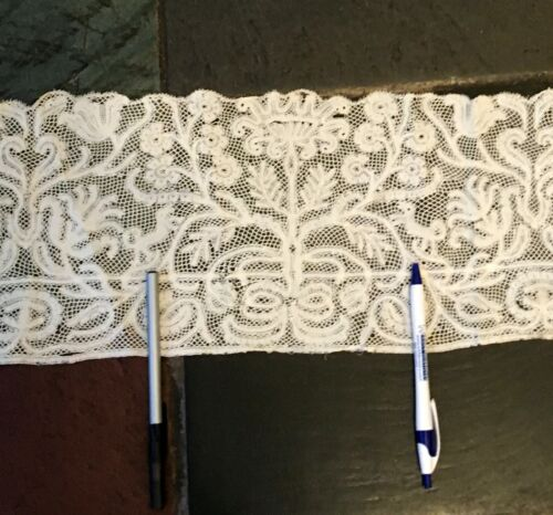 Rare Antique Highly Collectible Handmade FIGURAL Milanese Bobbin  Lace Trim