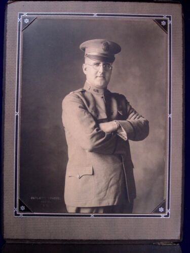 US Army National Guard Chaplain in Uniform.Photographs - 156415