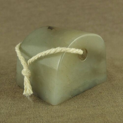 WONDROUS WITH CARVED OLD CHINESE ANTIQUE JADE CAN HANG SEAL
