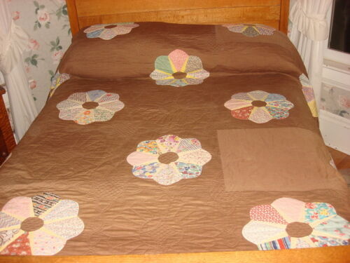 """Antique Quilt DRESDEN PLATE on BROWN Hand Quilted, Fancy Edge 90""""x88"""""""