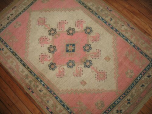 Vintage HOT PINK Turkish Ushak Oushak Rug Size 3'3''x4'8''