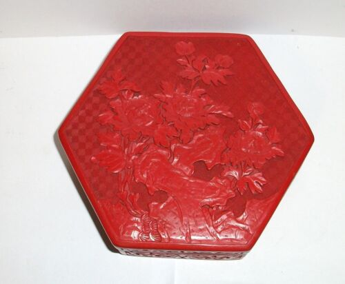 LARGE CHINESE CARVED CINNABAR LACQUER HEXAGON JAR BOX