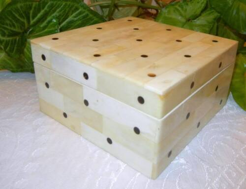 Vintage Old Chinese Hand Carved Polka Dots Trinket Jewelry Box