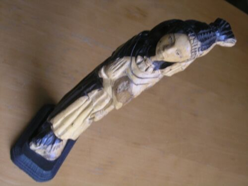 Vintage Very Graceful Wooden Sculpture Of Peruvian South American Woman & Child