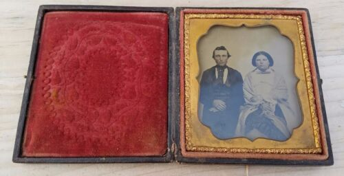 1850s COUPLE PORTRAIT SIXTH PLATE AMBROTYPE CASED-FREE USA SHIPPING