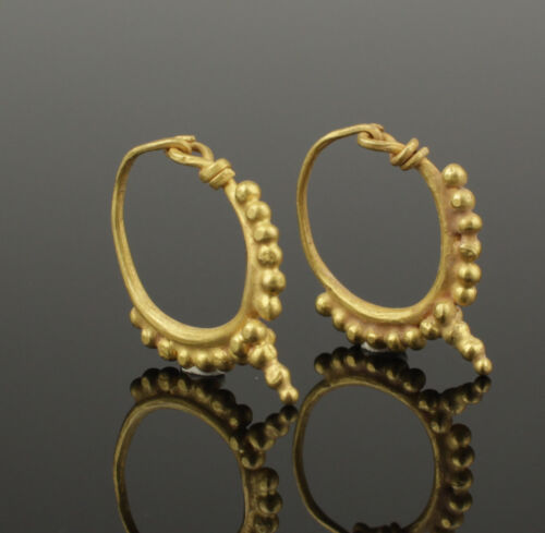ANCIENT ROMAN GOLD EARRINGS - CIRCA 2ND C AD