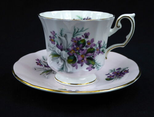 Elizabethan Cup and Saucer Footed England Pink Purple Violets Bouquet Gold Trim