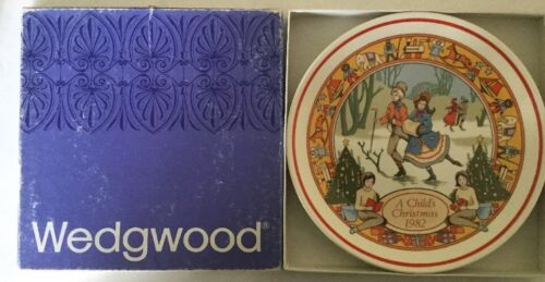 wedgewood A Child's Christmas 1982 Collectors Plate