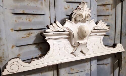 SHABBY HAND CARVED WOOD PEDIMENT ANTIQUE FRENCH COAT OF ARMS SALVAGED PANELLING
