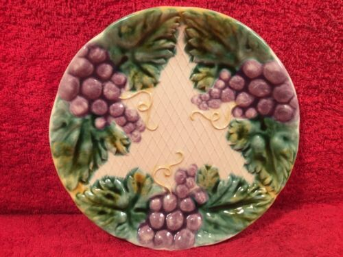 Antique French Majolica Grapes & Leaves Plate c.1800's, fm1159  GIFT QUALITY!!