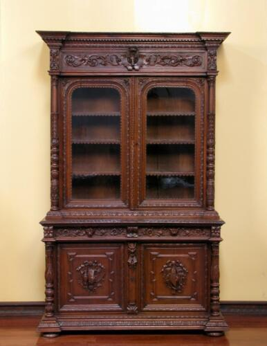 1107091 : Large Antique French Renaissance Victorian Carved Hunt Bookcase