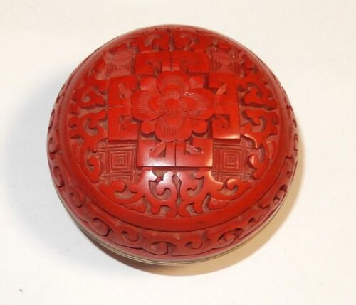 SMALL CHINESE CARVED CINNABAR RED LACQUER ENAMEL TRINKET JAR BOX