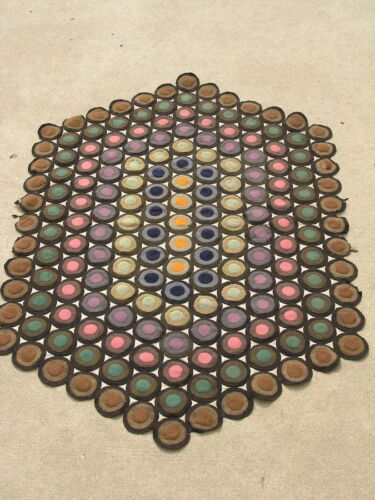 Antique Primitive 19 C American Felt Wool Hexagonal Penny Rug 179 Pennies 34x51""