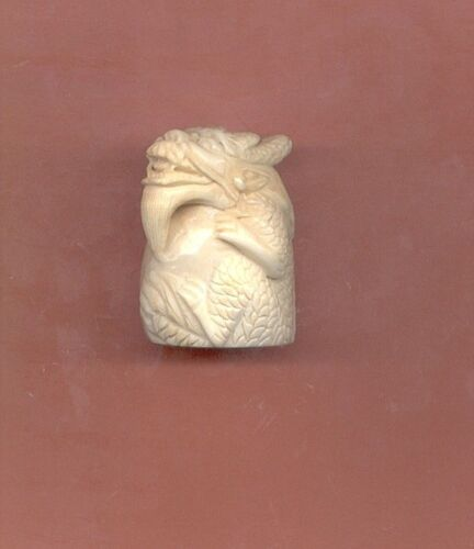 Superb Sitting Dragon  Netsuke Hand Carved  Figurine  Estate Item 651