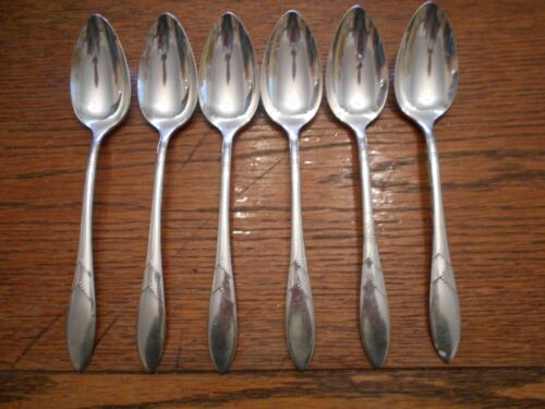 6 Community 1932 LADY HAMILTON Pattern Place or Oval Soup Spoons Oneida
