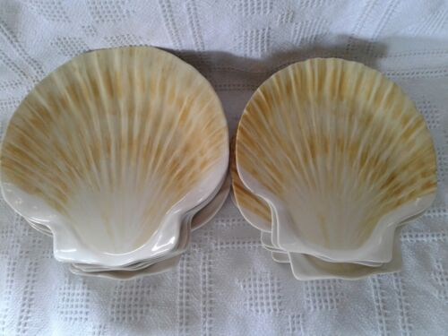12 Pc Set of Melamine Dinnerware Seashell Shaped Melamine Plates.