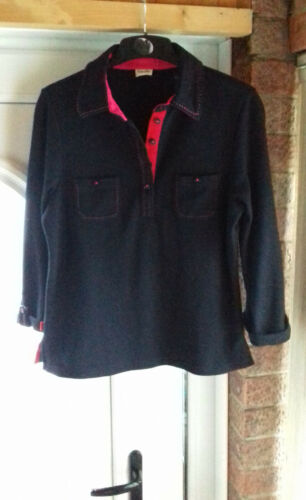 sze M top quality expensive navy softwarm Viyella top with beautiful pink detail
