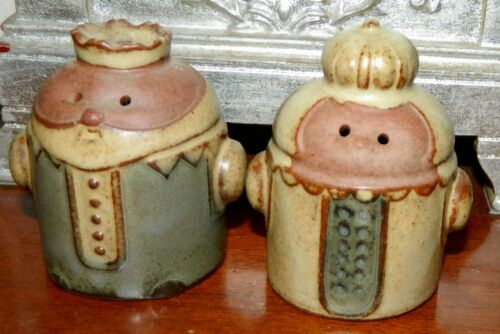 VINTAGE King and Queen Pottery Stoneware Japan Salt and Pepper Shakers