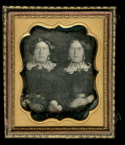 1840s Daguerreotype Two Sisters or Twins Holding Hands, 1/6th Plate, Very Nice