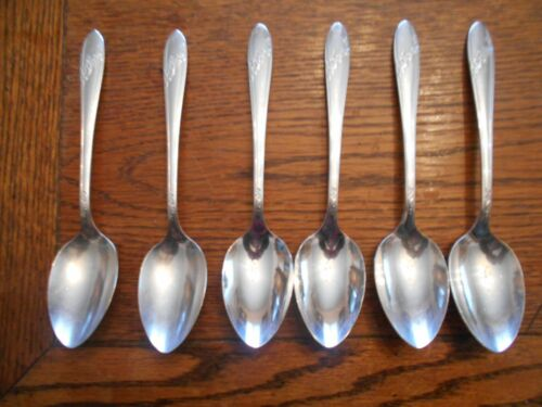 6 Tudor Plate 1946 QUEEN BESS Pattern Place or Oval Soup Spoons Oneida