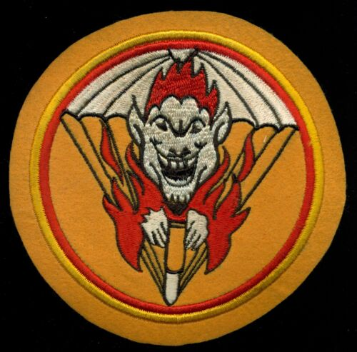WW2 US Army 462nd Airborne Parachute Field Artillery Patch N8Marine Corps - 66531