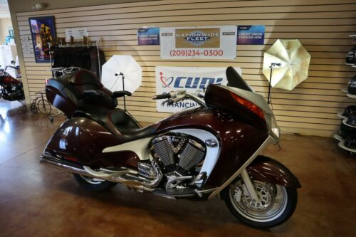 2009 Victory  2009 Victory Vision Touring Bagger 106 Cubic Inch 1731 CC Clean Title Nice Bike