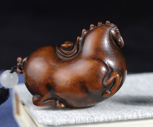 GY020 - 6X4.6X3.5 CM Hand Carved Boxwood Carving Netsuke: Horse