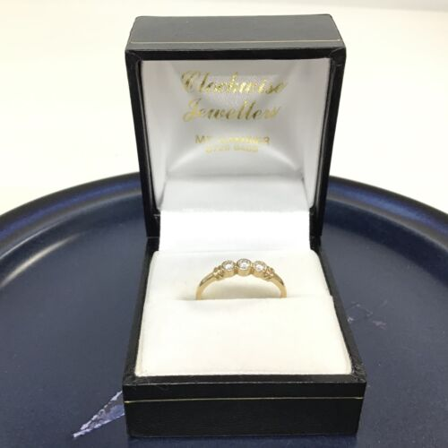 9ct Gold Thin Band Ring with 3 Clear Rhinestones #558